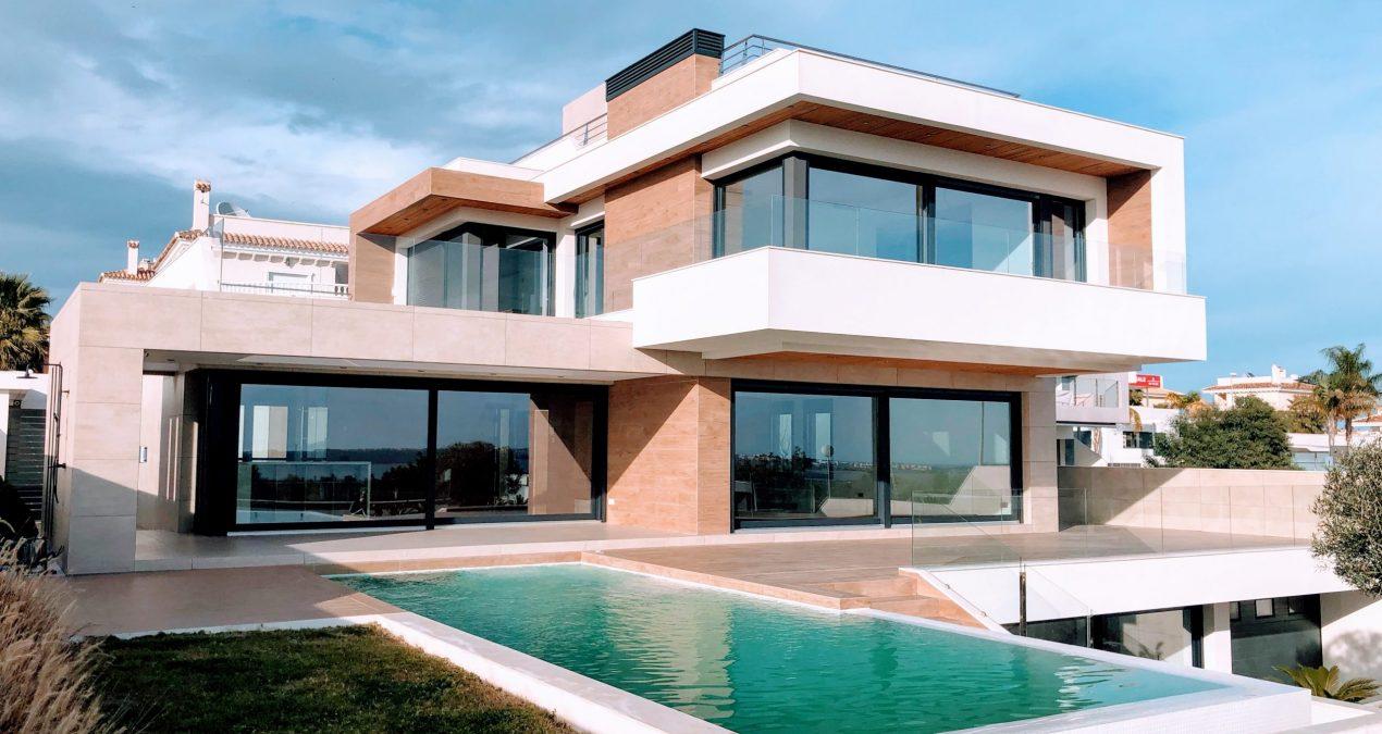 Zoom sur la maison autonome ou maison zéro-énergie